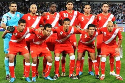 Tunisia-10-11-PUMA-uniform-red-red-red-line-up.jpg