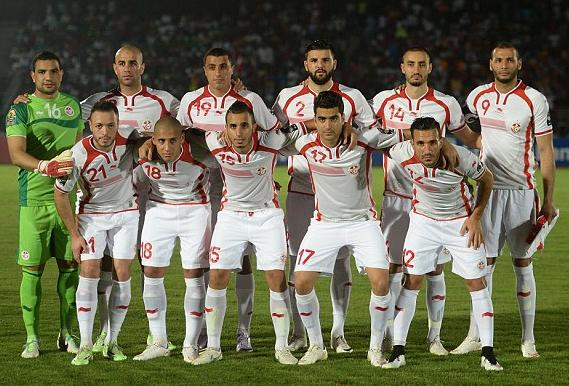 Tunisia-14-15-BURRDA-home-kit-white-white-white-line-up.jpg