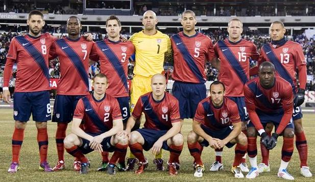 USA-11-NIKE-third-kit-red-navy-red-line-up.JPG
