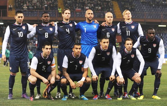 USA-12-13-NIKE-away-kit-navy-navy-navy-line-up.jpg