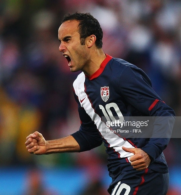 USA-2010-NIKE-away-kit-Donovan.jpg