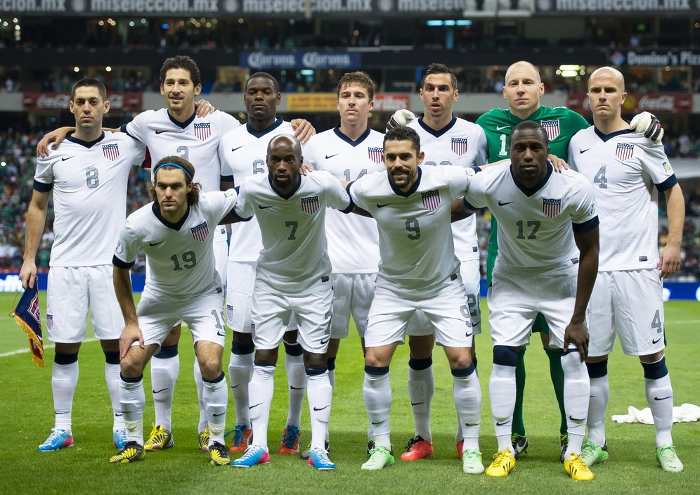 USA-2013-NIKE-centenary-home-white-white-white-line-up.jpg