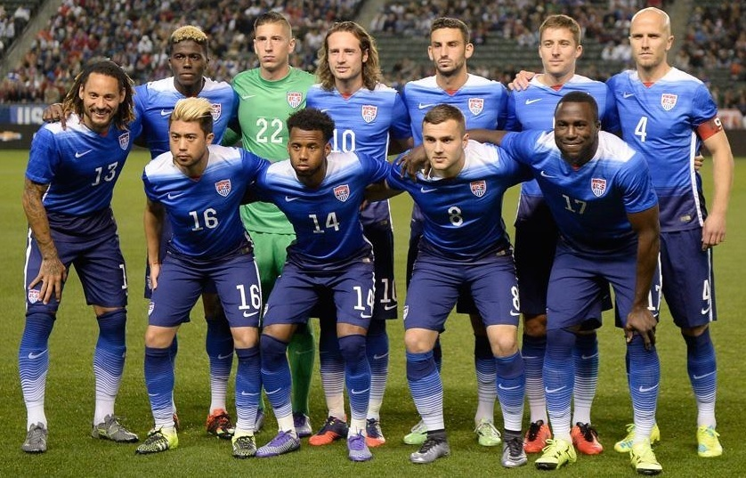 USA-2015-NIKE-away-kit-blue-blue-blue-line-up.jpg