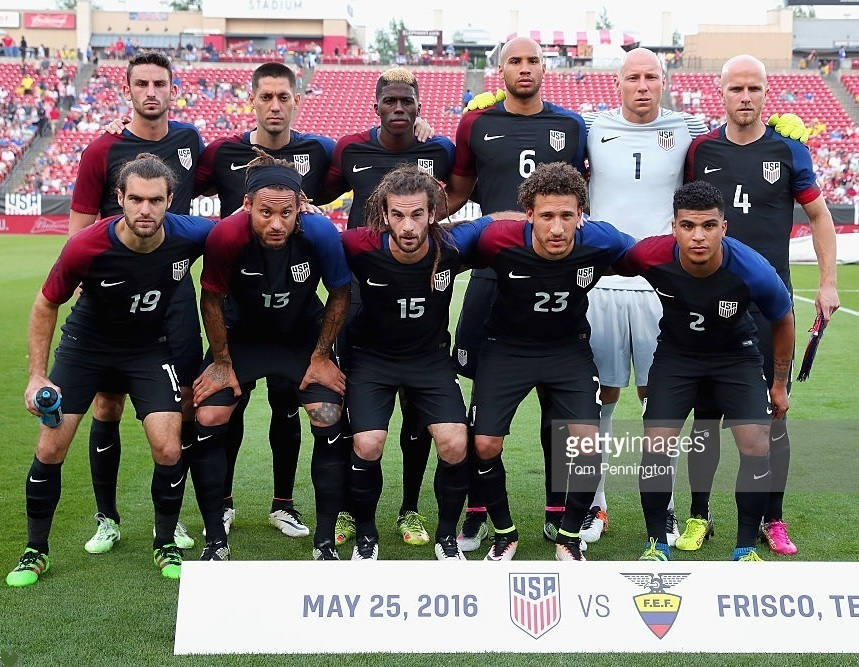USA-2016-NIKE-away-kit-navy-navy-navy-line-up.jpg