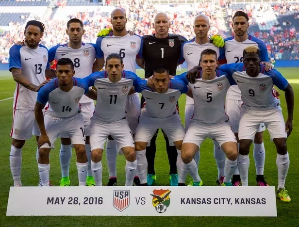 USA-2016-NIKE-home-kit-white-white-white-line-up.jpg