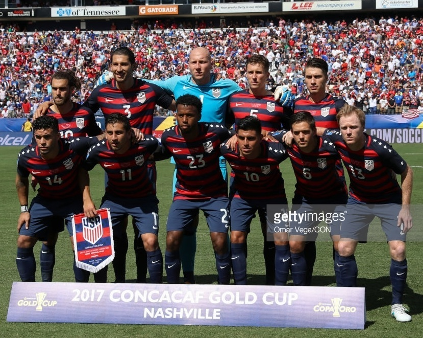 USA-2017-NIKE-gold-cup-home-kit-line-up.jpg