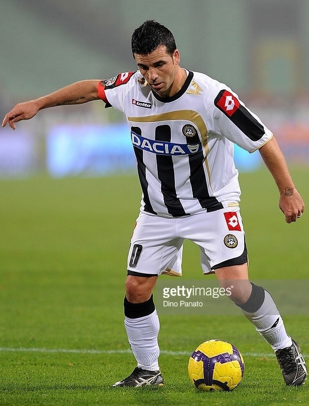 Udinese-2009-10-lotto-home-kit.jpg