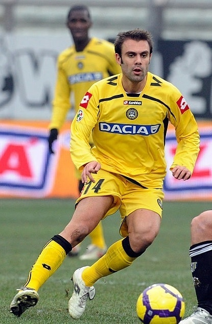 Udinese-2009-10-lotto-third-kit.jpg