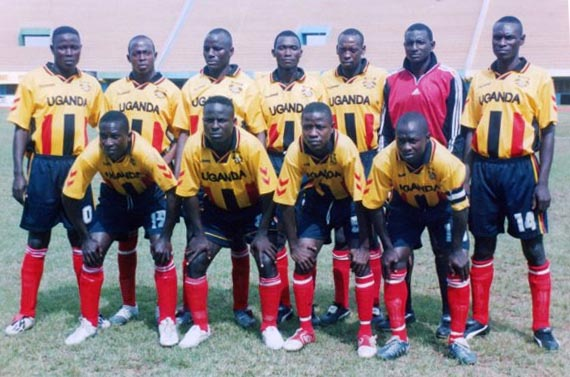 Uganda-05-hummel-yellow-black-red-pose.JPG