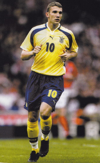 Ukraine-00-01-PUMA-home-kit-yellow-blue-yellow.jpg