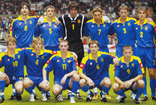 Ukraine-04-lotto-away-kit-blue-blue-blue-line-up.jpg