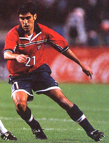 United States-98-99-NIKE-uniform-red-navy-navy.JPG