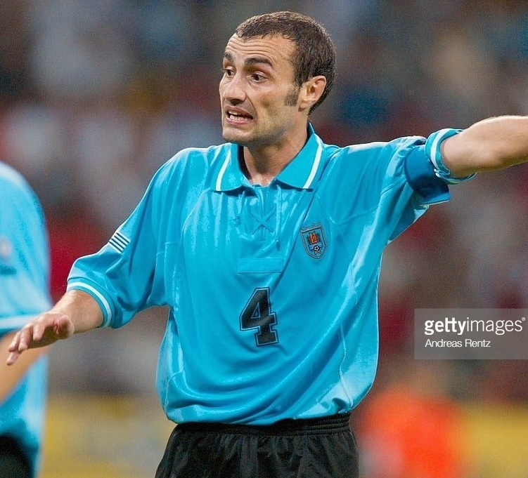 Uruguay-2002-world-cup-home-kit-light-blue-black-black-Paolo-Montero.jpg