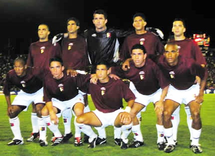 Venezuela-01-04-atletica-home-kit-burgundy-white-white-line-up.jpg