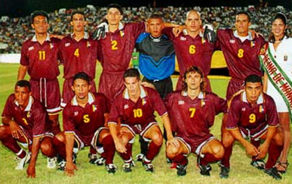 Venezuela-99-atletica-home-kit-burgundy-burgundy-burgundy-line-up.jpg
