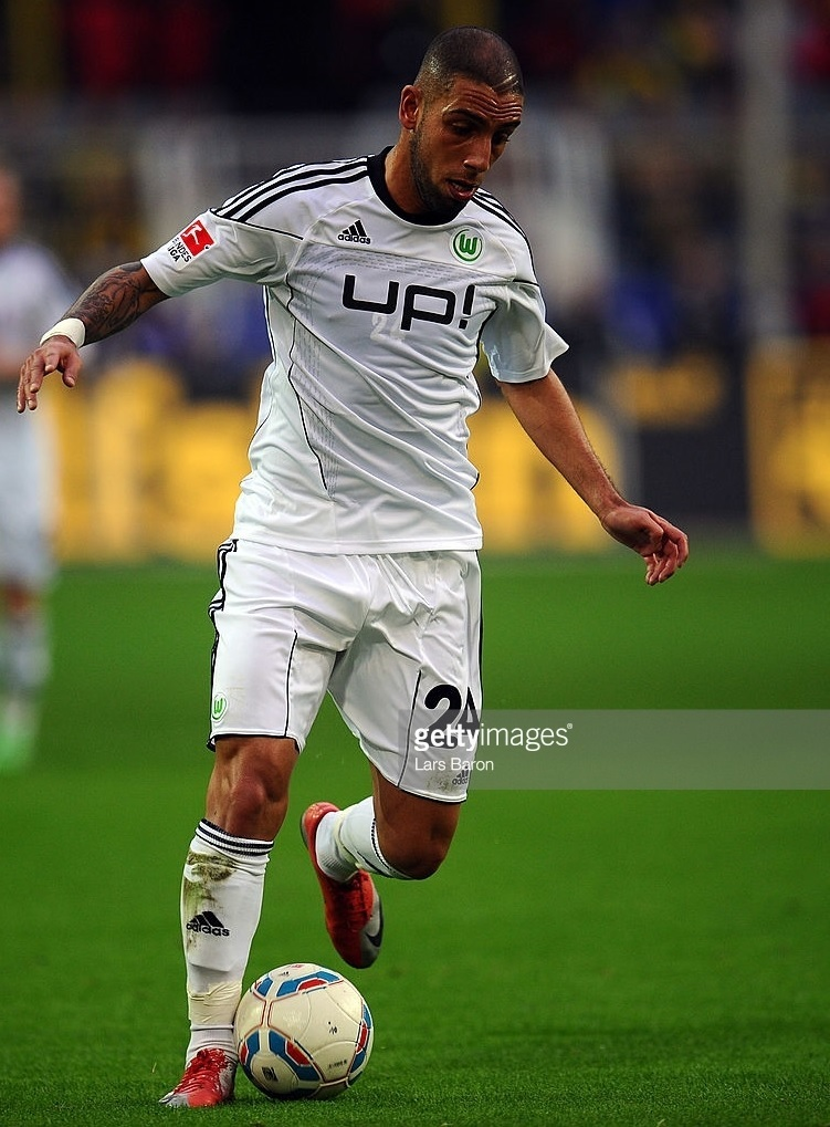 VfL-Wolfburg-2011-12-adidas-away-kit.jpg