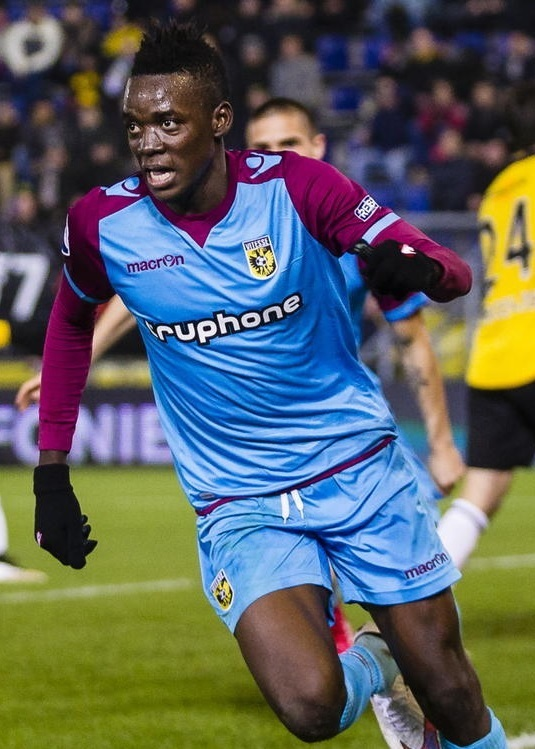 Vitesse-14-15-macron-away-kit-Bertrand-Traore.jpg