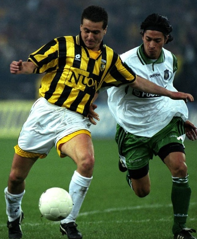 Vitesse-1997-98-lotto-home-kit.jpg