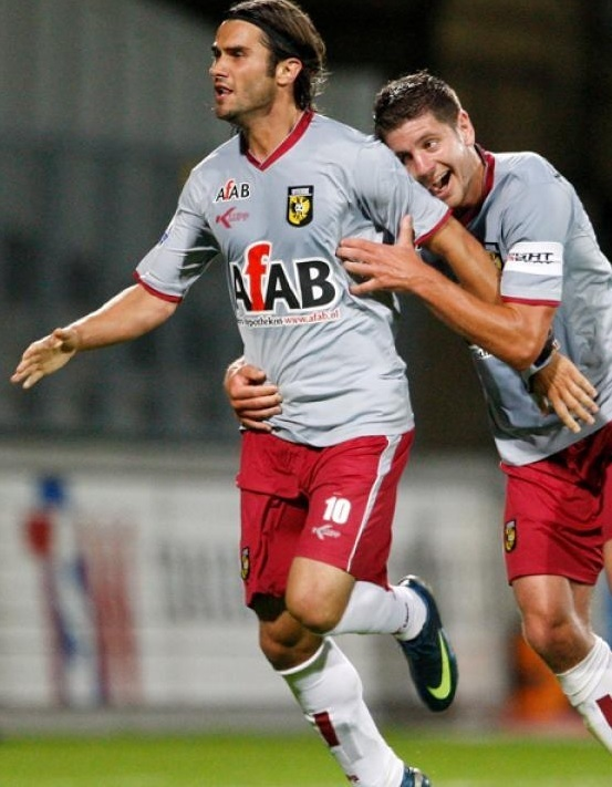 Vitesse-2009-10-KLUPP-away-kit.jpg