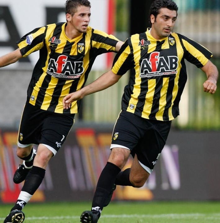 Vitesse-2009-10-KLUPP-home-kit.jpg