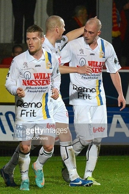 Waasland-Beveren-2012-13-JAKO-away-kit.jpg