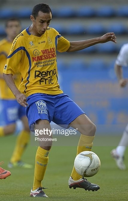 Waasland-Beveren-2012-13-JAKO-home-kit.jpg