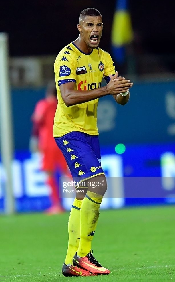 Waasland-Beveren-2016-17-Kappa-home-kit.jpg