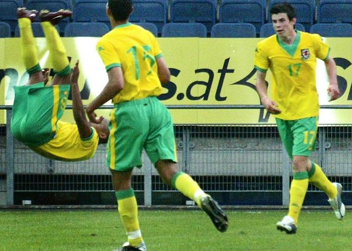 Wales-06-07-Kappa-away-kit-yellow-green-yellow-joy.jpg