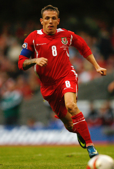 Wales-08-09-Champion-home-kit-red-red-red.jpg
