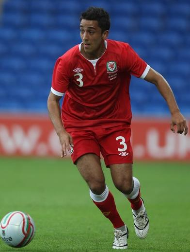 Wales-11-12-UMBRO-home-kit-red-red-red.JPG