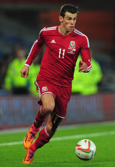 Wales-2014-adidas-home-kit-red-red-red.jpg