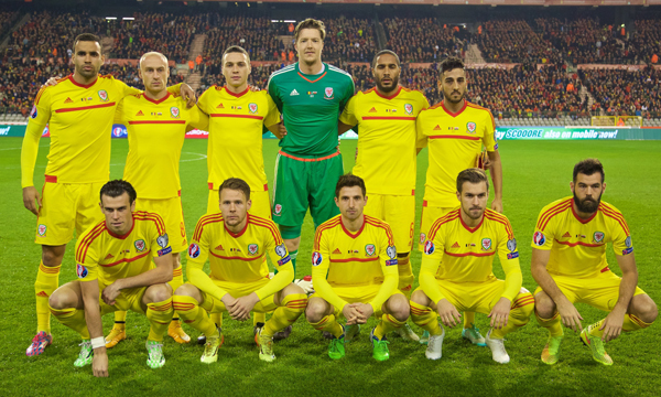 Wales-2015-adidas-away-kit-yellow-yellow-yellow-line-up.jpg