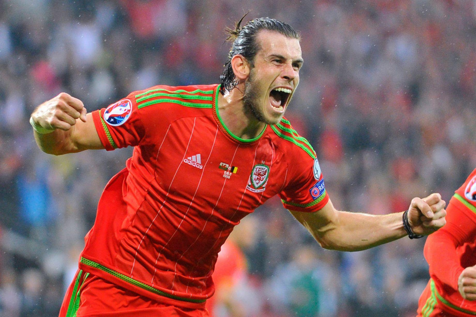 Wales-2015-adidas-home-kit-red-red-red-2.JPG