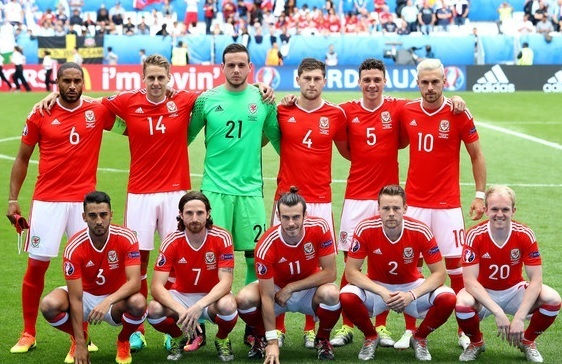 Wales-2016-adidas-euro-home-kit-red-white-red-line-up.jpg