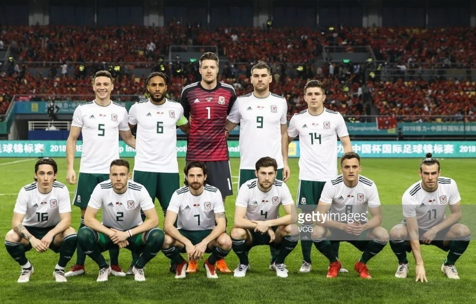 Wales-2018-19-adidas-away-kit-white-green-green-line-up-line-up.jpg