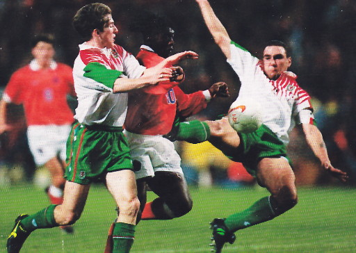 Wales-96-97-lotto-away-kit-white-green-green.jpg