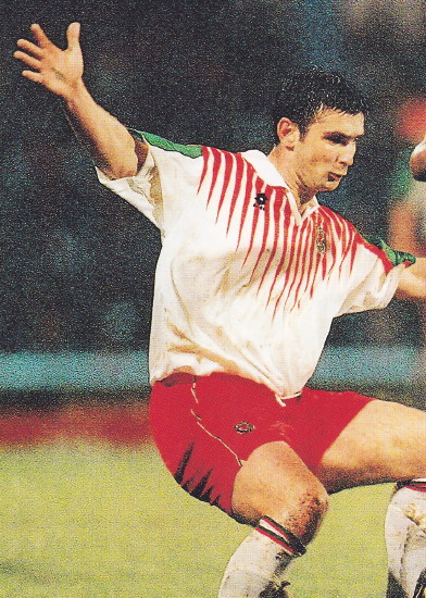 Wales-96-97-lotto-away-kit-white-red-white.jpg