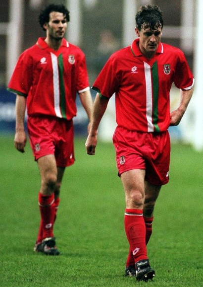 Wales-96-97-lotto-home-kit-red-red-red.jpg