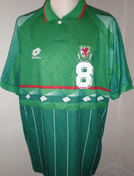Wales-97-lotto-away-shirt-green.JPG
