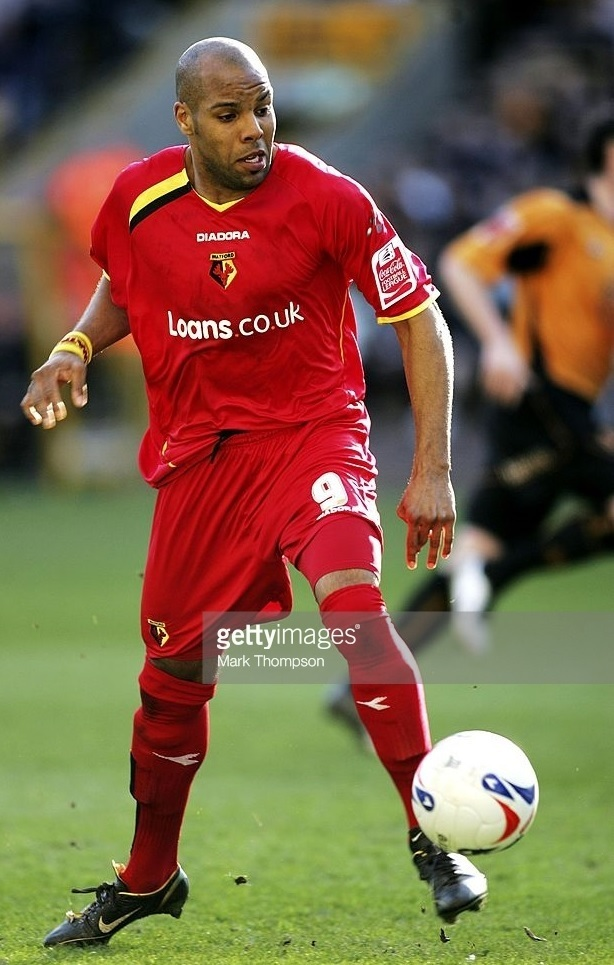 Watford-2006-07-DIADORA-away-kit-Marlon-King.jpg