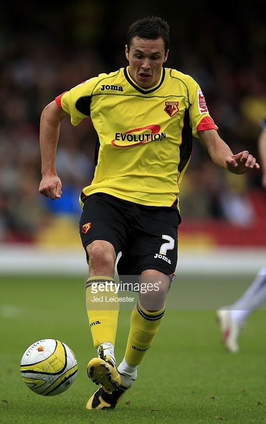 Watford-2009-10-Joma-home-kit-Don-Cowie.jpg