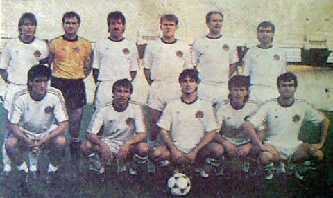 Yugoslavia-1987-adidas-away-kit-white-white-white-line-up.jpg