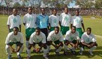 Zambia-04-05-NIKE-uniform-white-green-white-group.JPG