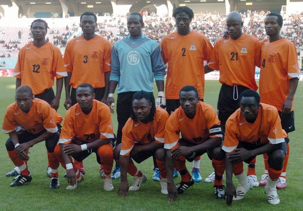 Zambia-08-09-NIKE-orange-black-orange-group.jpg