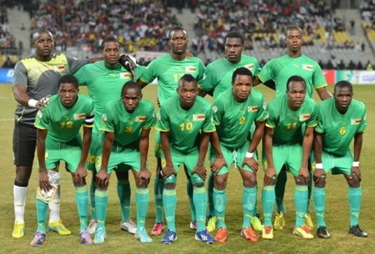 Zimbabwe-2013-PUMA-away-kit-green-green-green-group-photo.jpg