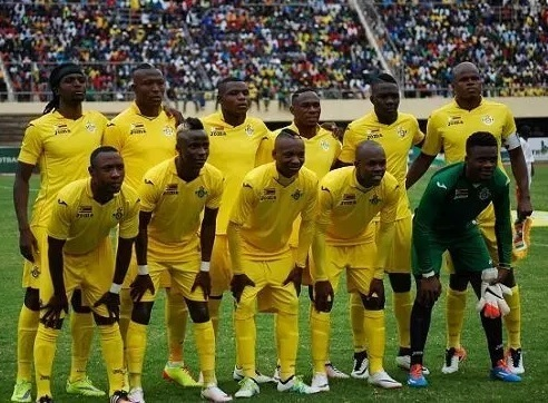 Zimbabwe-2015-16-Joma-home-kit-yellow-yellow-yellow-line-up.jpg