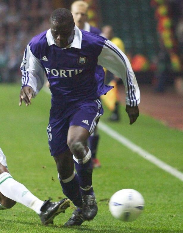 anderlecht-2003-04-adidas-away-kit.jpg