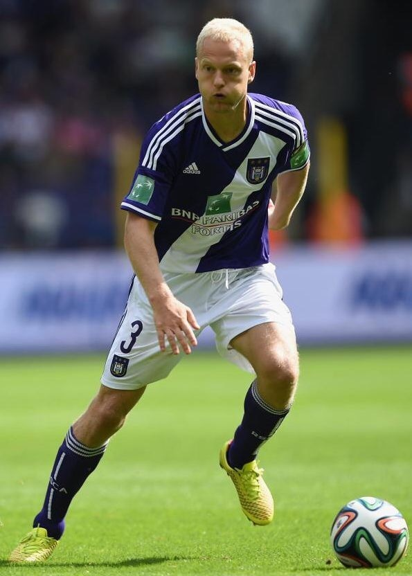 anderlecht-2014-15-adidas-home-kit-olivier-deschacht.jpg