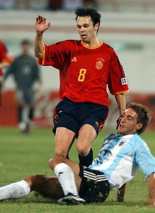 andres-iniesta-2003-adidas-world-youth-home-kit.jpg