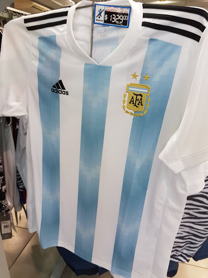 argentina-2018-world-cup-kit (2).jpg